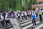 今天,城阳区8千余名学生中考