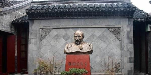 他曾是清朝的铸钱局总办,却两袖清风,就连日本人也威胁不了他