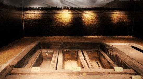 """原创 江西农工发现西汉古墓,棺中女尸突然""""叹气"""",让人背脊发凉"""