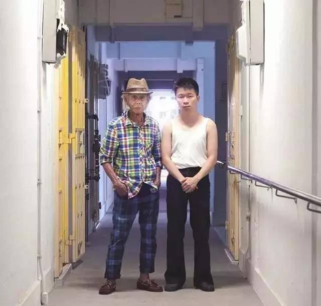 """原創爺孫互換衣服""""一秒變潮男"""":誰年輕時沒帥過?"""