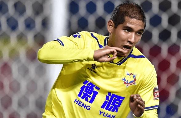 中国足球归化又一失败例子!23岁新星年薪1400万,被认定才能缺