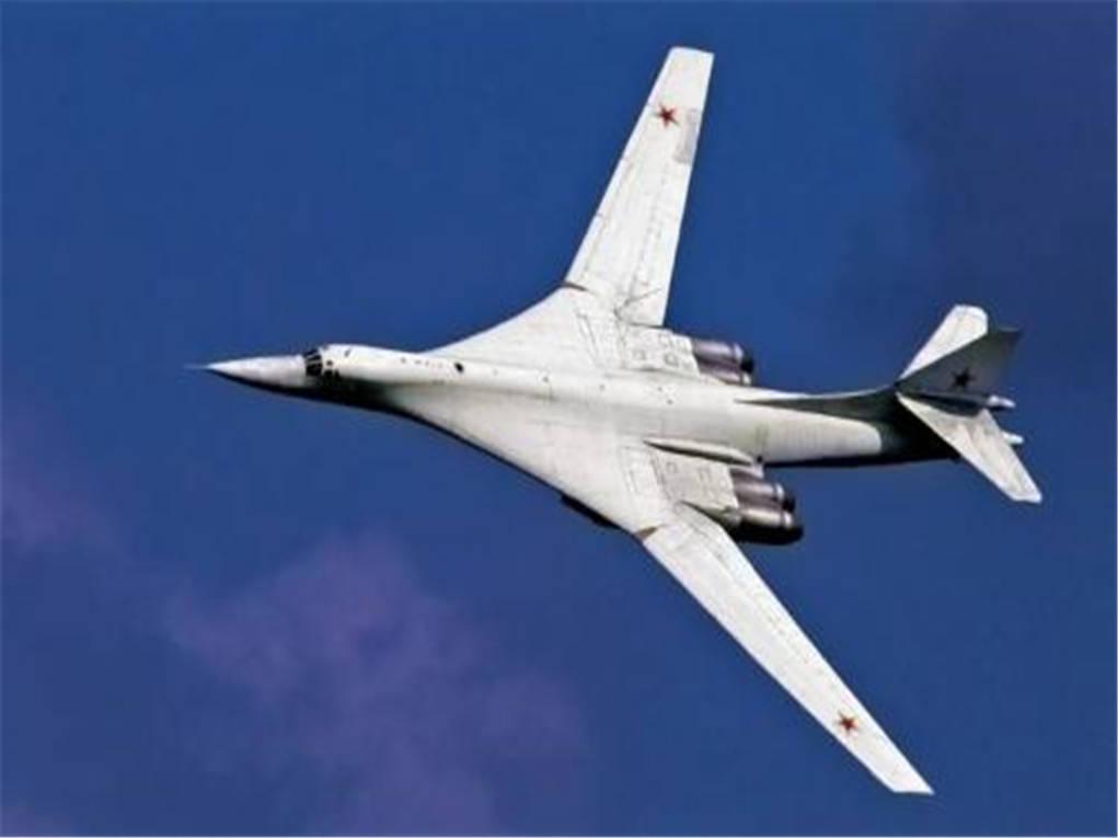大型轰炸机横空出世,在15000高空首飞破世纪记录,美军B2都望尘莫及