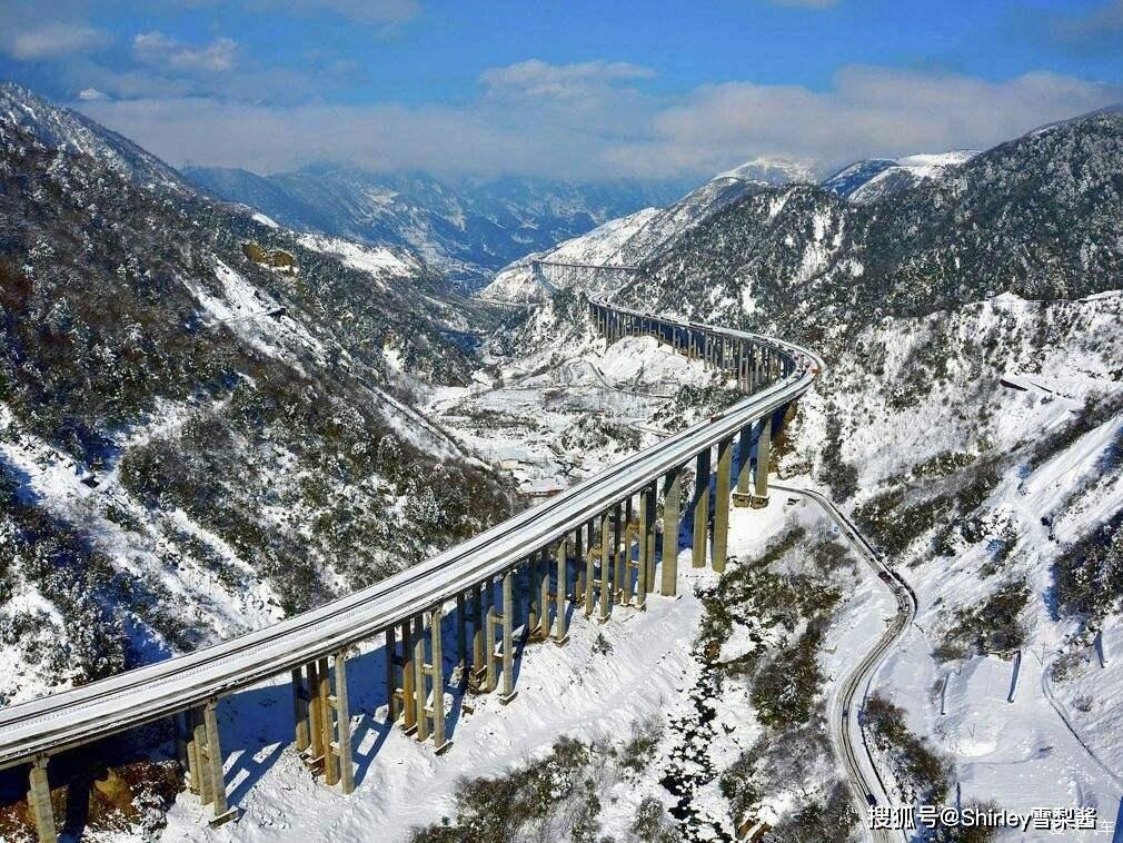 原创              中国最逆天高速,拥有七项世界之最,投资206亿240公里全程高架