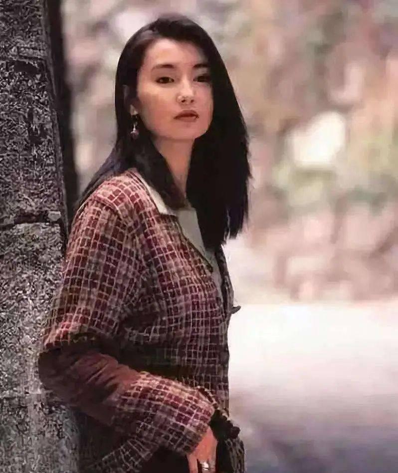 30年前的张曼玉有多美 西装白衬衫,一张懵懂不经事的高级脸图片