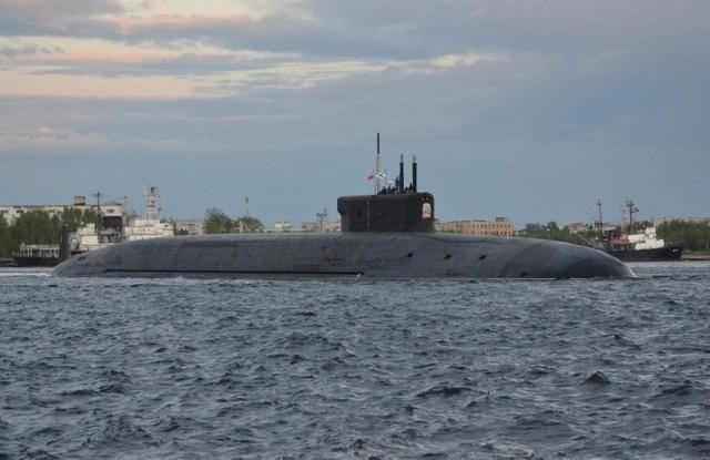 原创             俄国强势反击!16枚核导弹进入战备状态, 警告美国别再抹黑