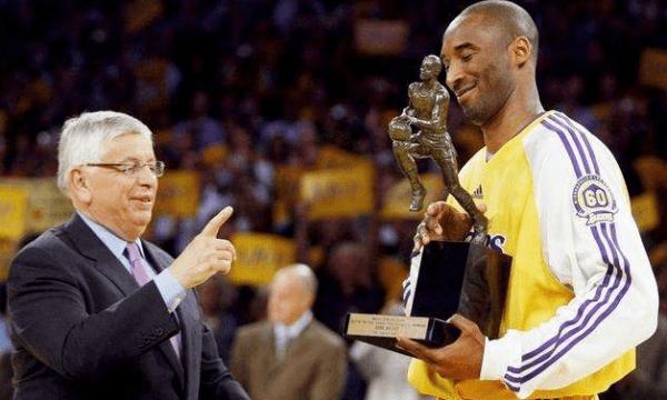 科比的职业生涯一共夺冠5次NBA总冠军