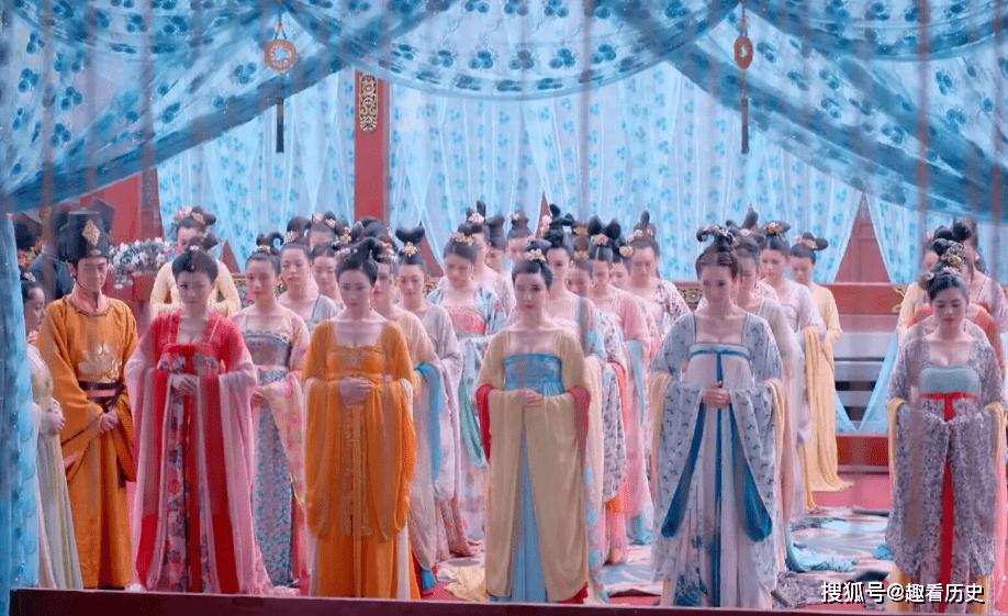唐朝宫女为让攀上皇子,巧用计谋陷害两位妃子,弄巧成拙扔出宫外