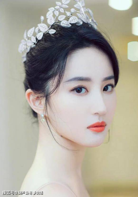 原创             当女明星没有刘海,章子怡明艳、刘亦菲清纯、杨幂就不说了吧