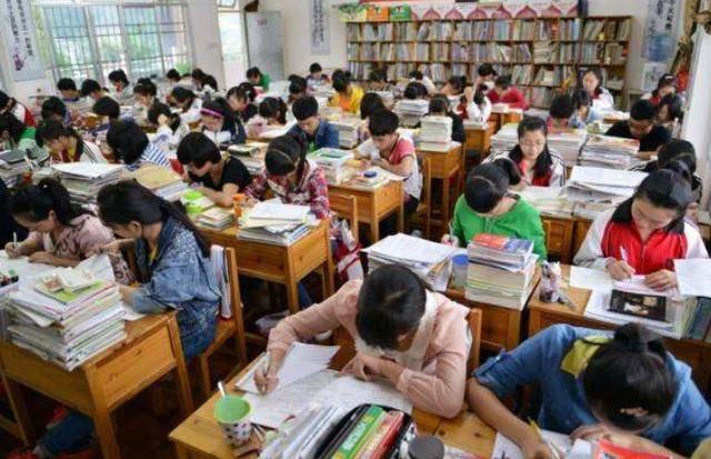 230多万考研落榜生:除了就业和二战,教育部给出了第三种选择!
