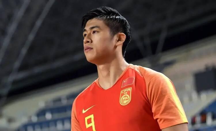集齐6大U23新星,国安本土头牌被挤出首发,22岁新星夺权门神?