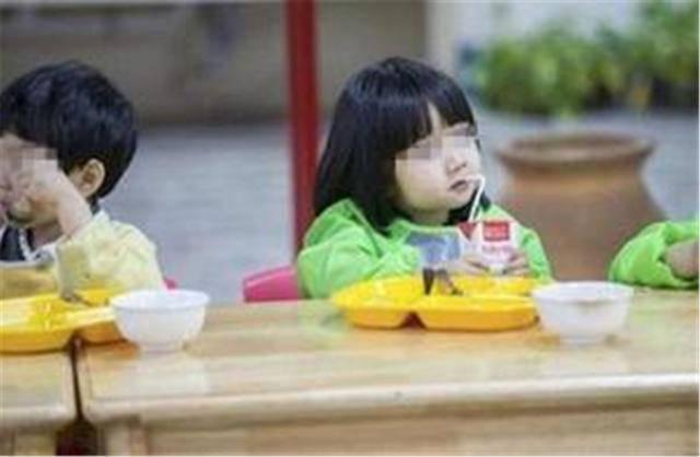 原创3岁儿子不爱吃饭,要不要饿他一顿?育儿专家:4招让孩子爱上吃饭