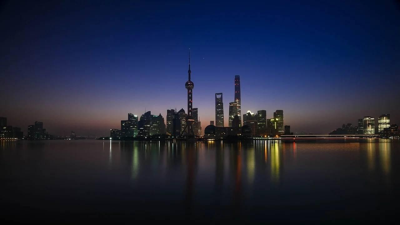 """上海出现""""抛房潮""""?上海房地产市场怎么了?房价这是要降了吗?_庄和闲"""