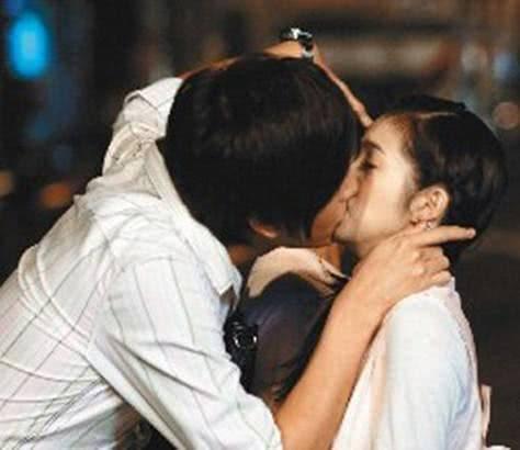原创 郑元畅自曝吻过上百女演员,与张钧甯吻戏印象最深刻:她咬我嘴唇