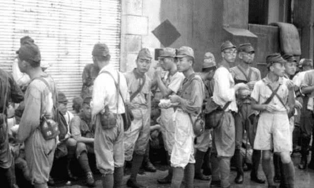 原创            二战日军战败回国后,妻子用什么样的方法欢迎?士兵:不如战死