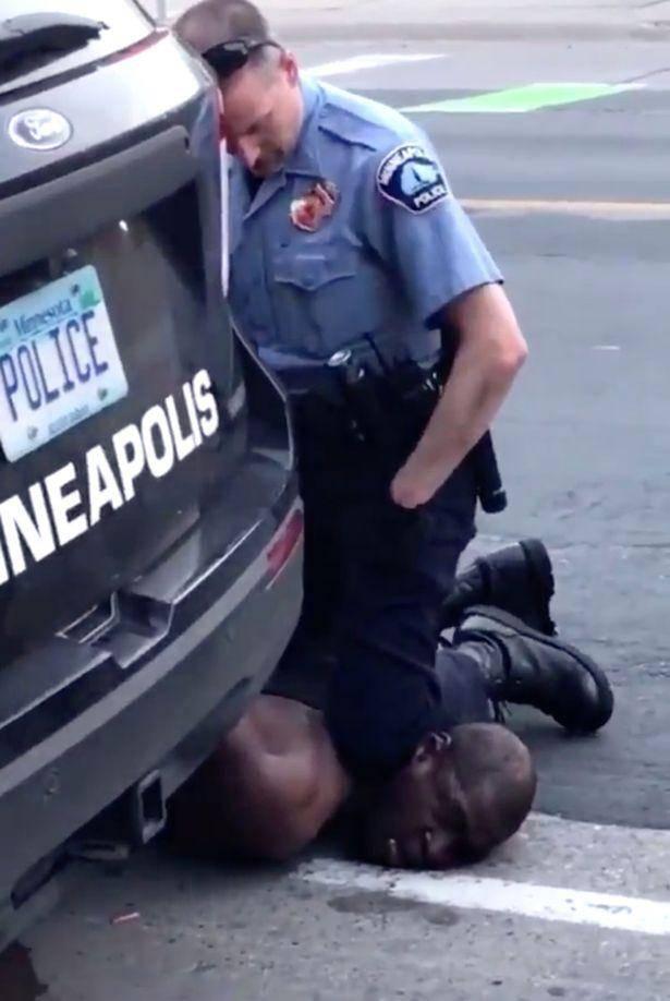 原创 75万美元!美国黑人之死案中一警察被保释,律师:将驳回所有指控