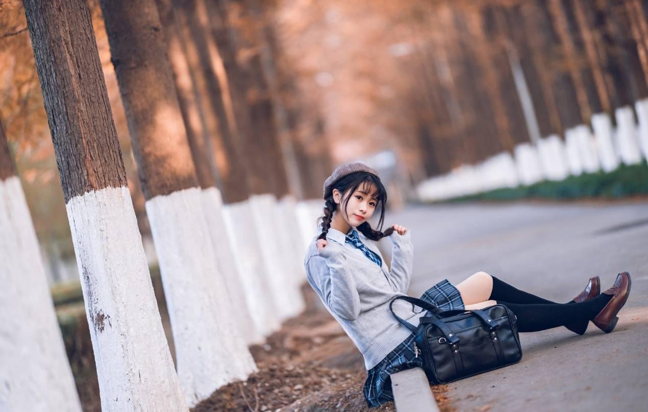 秋日双马尾JK小姐姐,一起演个日剧?_kiki