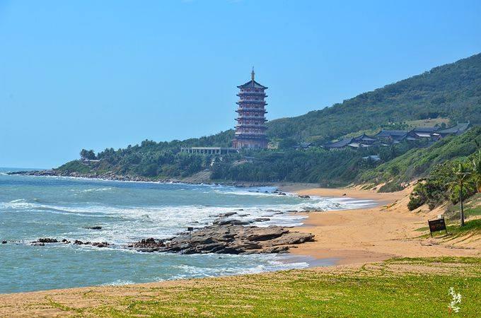 原创             三亚有一座地标建筑,它被建造在海上,是世界最大的观音造像