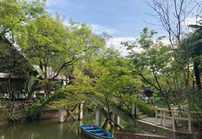 魔都市内的古堡花园,满园绿色和复古建筑,竟然还免门票