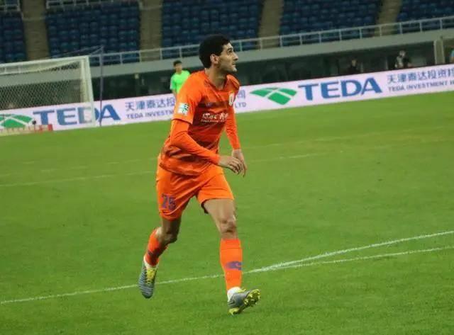 费莱尼出战新援莱昂纳多缺阵 鲁能队内赛3-3战平