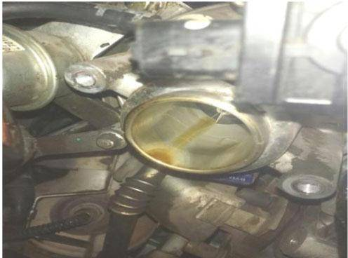 比亚迪S6 1.5T发动机烧油故障排除