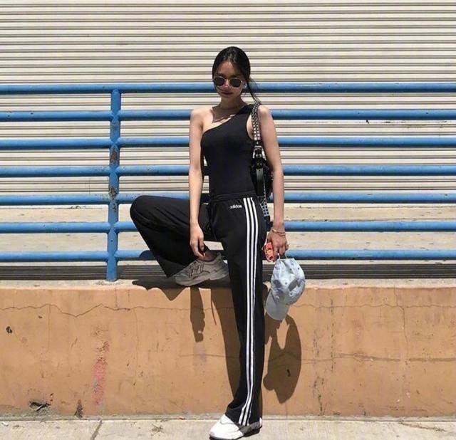 运动也要穿得美美的,超好看的运动风穿搭,让你健身也是女神 动作教学 第7张