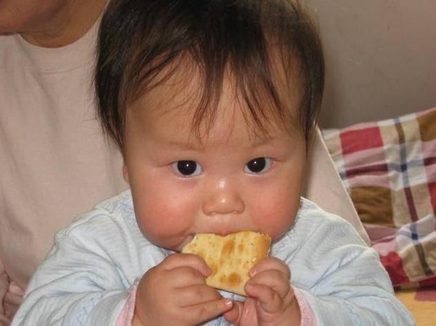 """原创有几类食物是""""身高杀手"""",孩子爱吃,家长若不干涉,吃亏的是娃"""