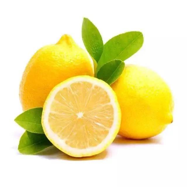 """干燥的夏天,将白开水换成""""柠檬水"""",身体会有哪些变化?"""