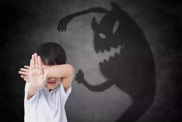 怕黑的孩子在怕什么?原来是想象力在作怪