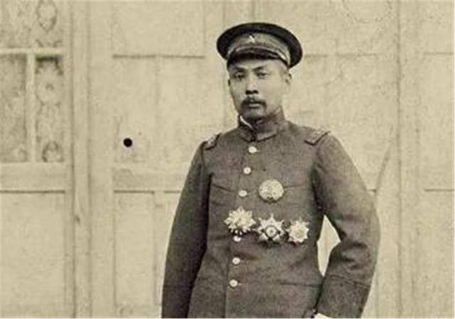 原创 百年前,法国硬塞给中国一块领土,中国勉强收下,如今受益无穷!