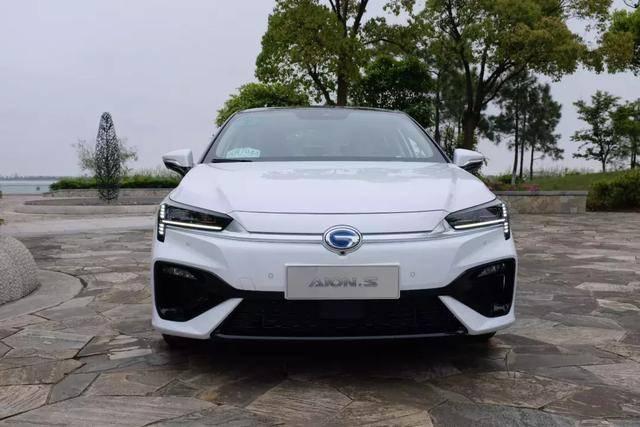 新能源车竞争600KM续航几何A长续航版、AionS、荣威ER6谁更强?