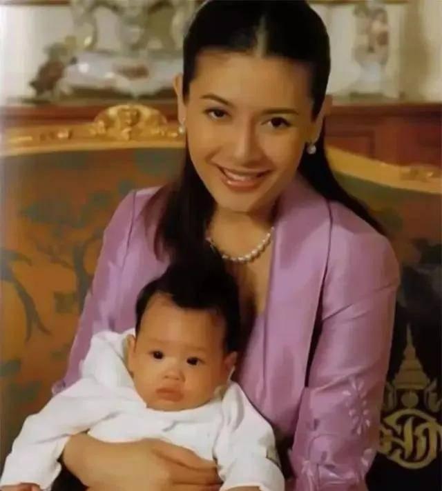 那些女人是怎么嫁给泰国国王的?流放到
