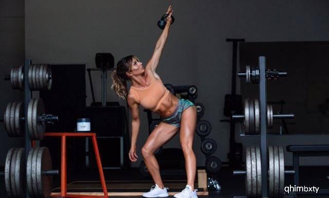 33岁健身达人,肌肉明显又不失曲线,训练计划值得借鉴_Paige 高级健身 第6张