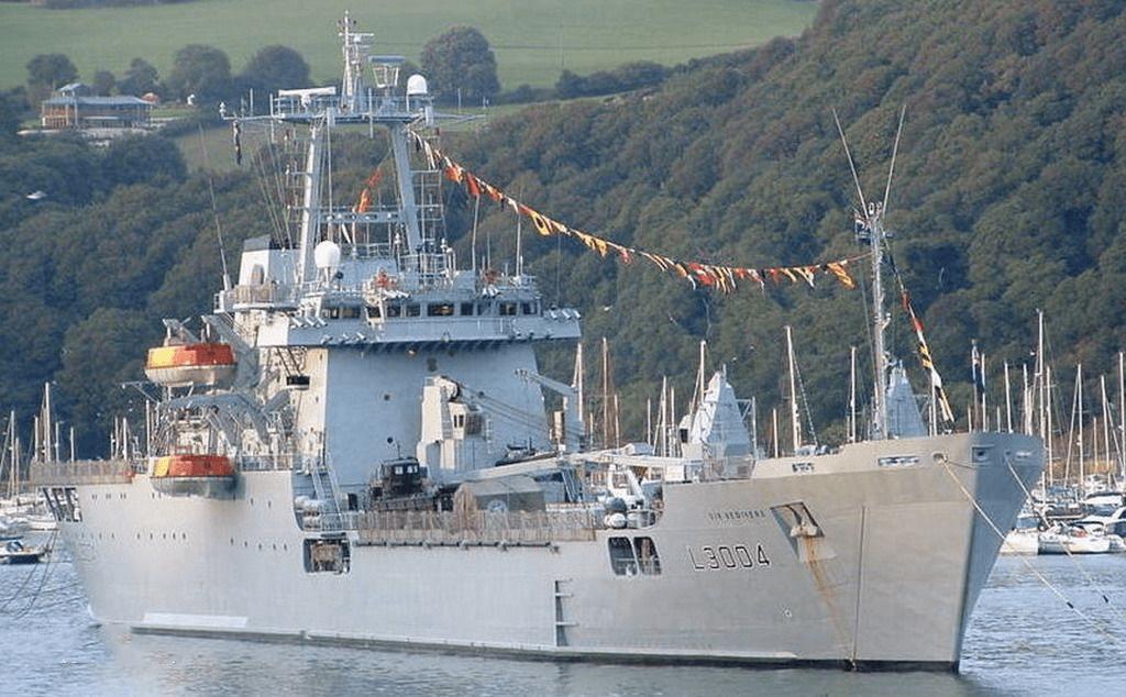 浅谈英国登陆舰:二战老艇坚守数十年,马岛之战付出惨痛代价_英国新闻_英国中文网