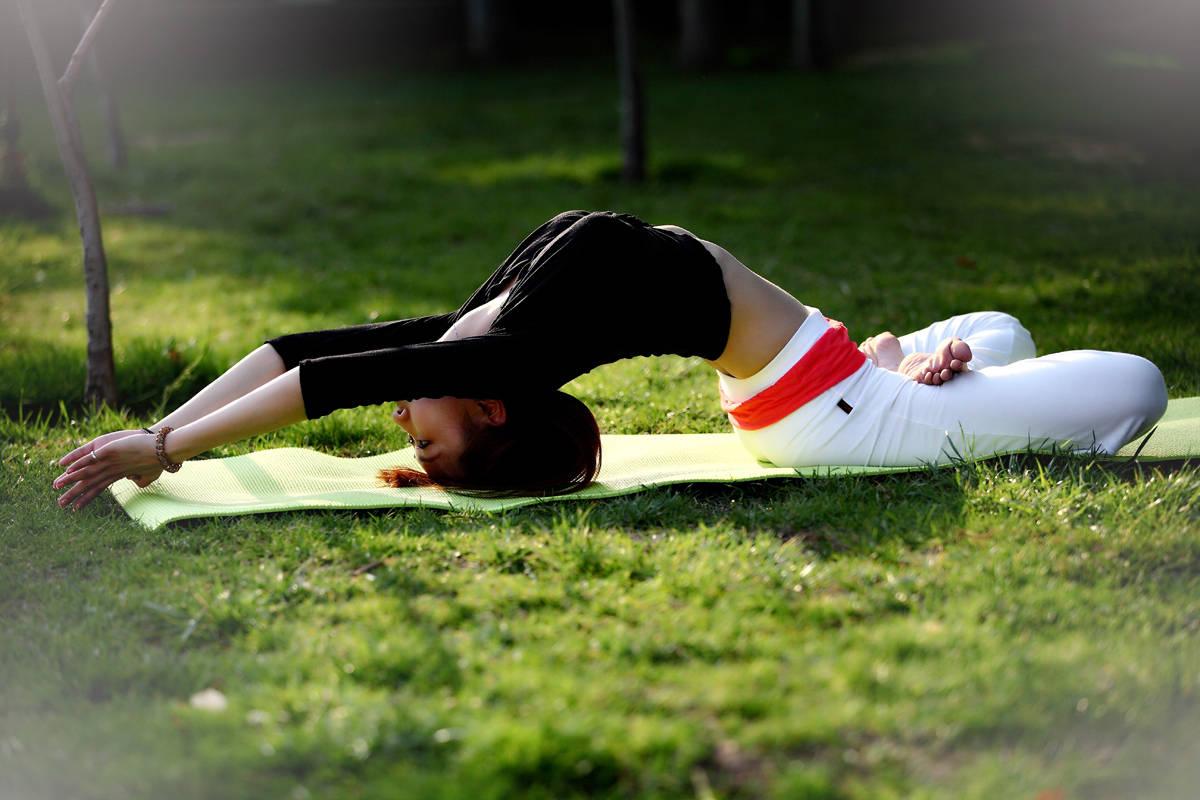 学会这套阴瑜伽体式,助你舒缓身心提升气质,很适合女人练习_身体 知识百科 第1张
