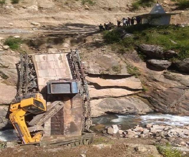 印度速度让人刮目相看,在短短五天时间内抢建修复了断桥