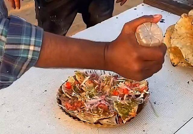 看了印度的街头美食,想不佩服都很难,网友说看完实在是受不了 增肌食谱 第8张