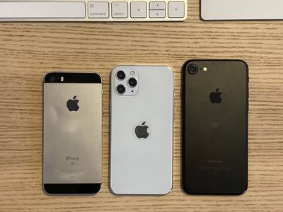 原创             与iPhone SE和iPhone 7相比,iPhone 12的尺寸为5.4英寸