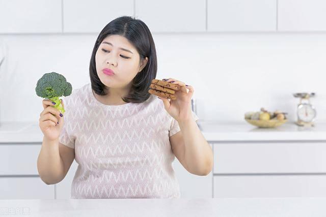 减肥需要技巧!坚持这4个减肥小技巧,让你在家就能瘦下来
