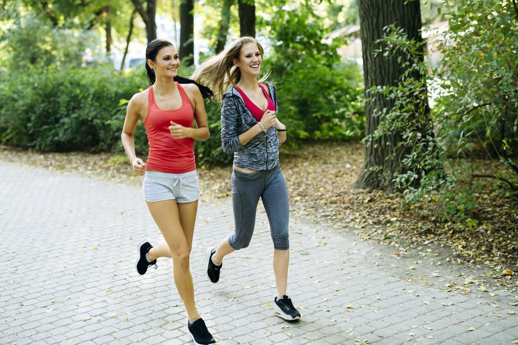 原创             跑步有什么好处?坚持跑步的人,为什么格外遭人恨?