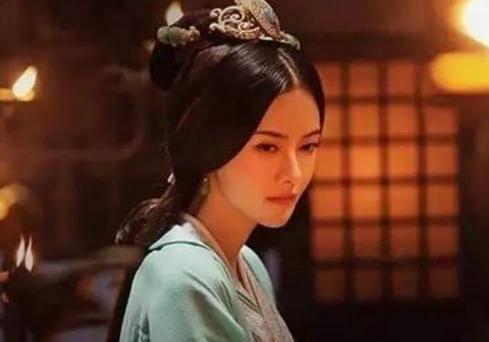 原创            她叫郭女王也确实活成了女王,却在老年却被逼自杀,死相难看