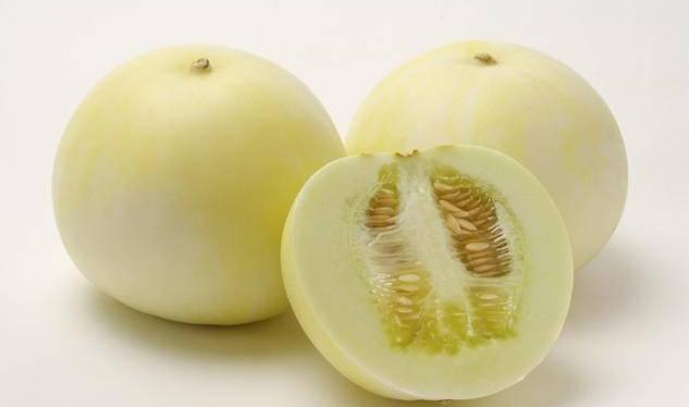 香瓜籽很香甜,到底能否吃?医生苦劝不要去籽,原因是有这个功效