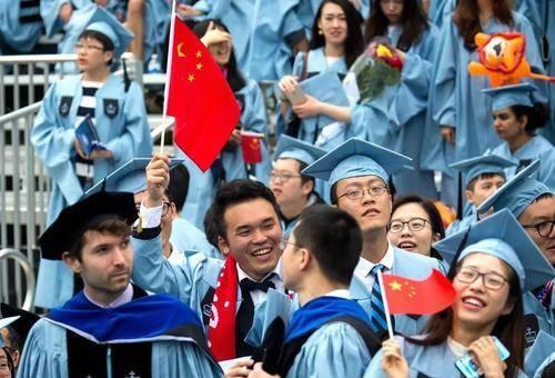 搬起石头砸自己的脚,拒绝中国留学生入境,澳大利亚将损失200亿