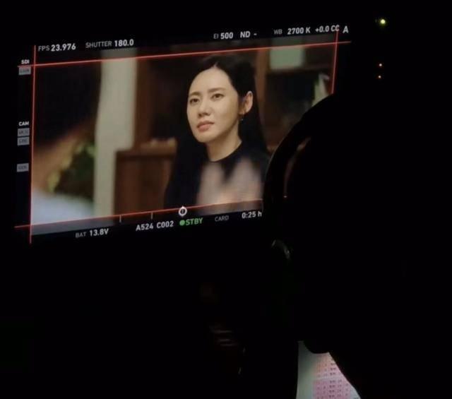 秋瓷炫分享韩剧片场:拍戏努力吃饭也认真,片尾喊话想回国内拍戏