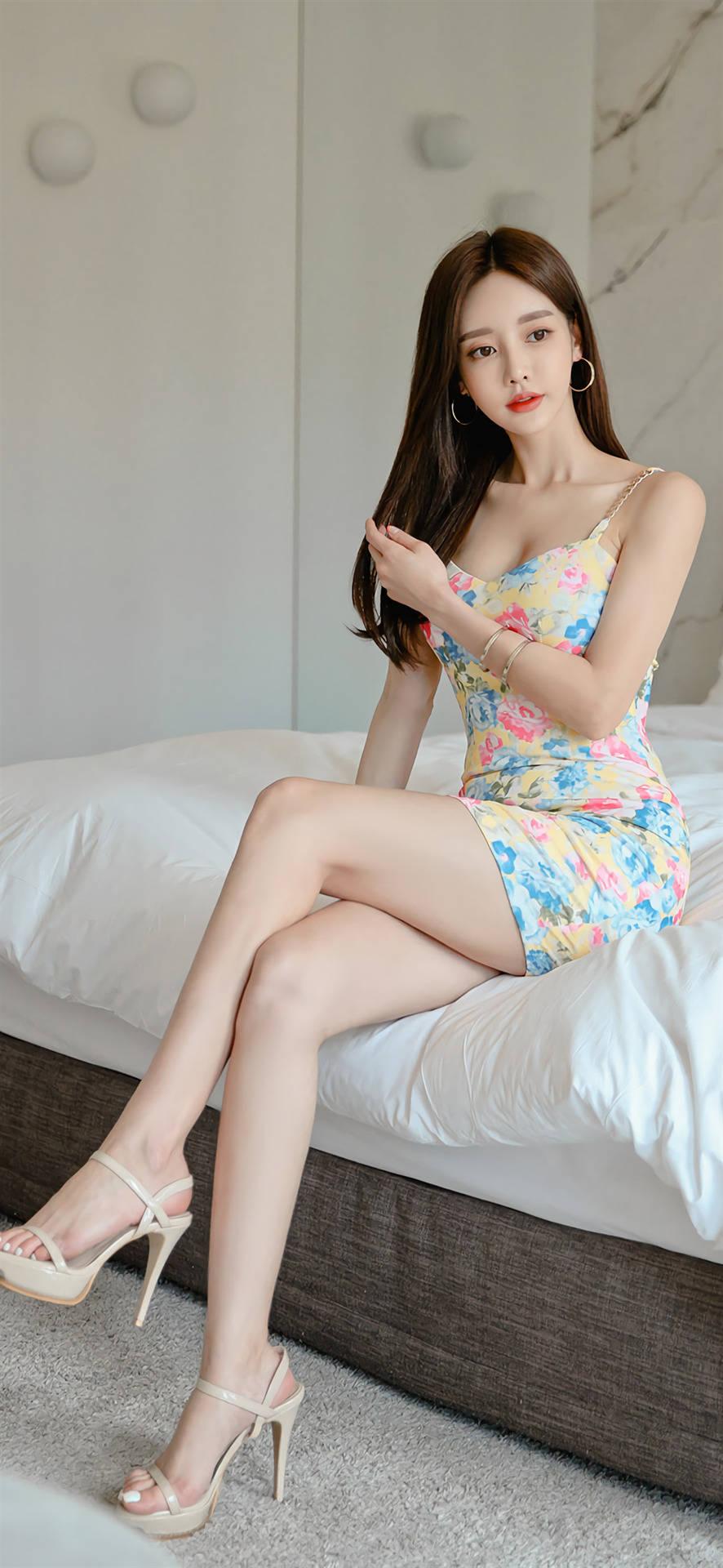 孙允珠超清图片欣赏 简约印花 连衣裙 唯美大气,女人味十足