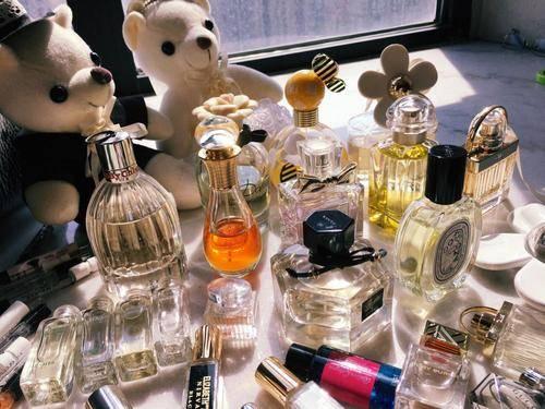 """【【戴口罩不化妆?韩国最大化妆品企业关闭900家卖场,香水市场突然""""真香""""】】"""