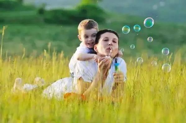 """任性、哭闹、一根筋,是孩子有了""""秩序感"""",此时家长该怎么做?"""