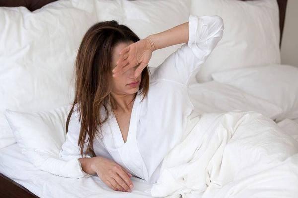 """半夜醒来一身汗,或是身体缺少""""它""""了!提醒:得考虑补补了!"""