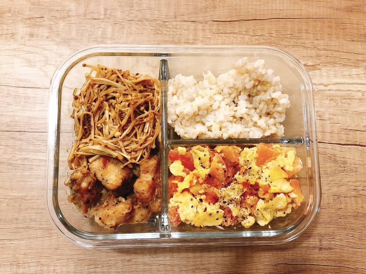 减肥期间,三餐这么吃,让身体持续燃脂,瘦得更快!