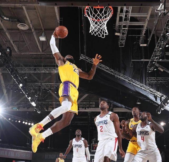 NBA复赛迎来了一场焦战之战,洛杉矶德比再次演出