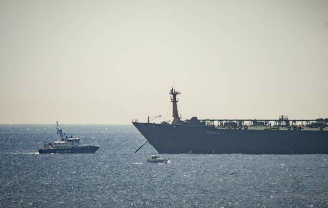 一艘俄军登陆舰被扣押,黑海局势骤然紧张,大批俄军奉命火速集结